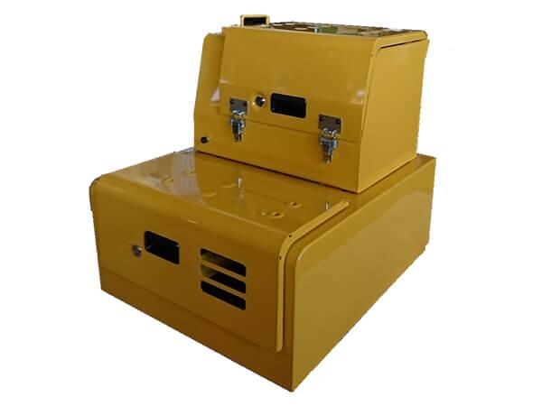 油圧ショベル用の工具箱2